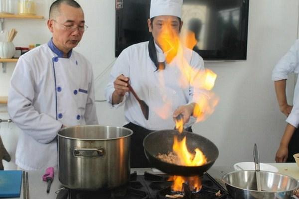 trung cấp dạy nghề nấu ăn